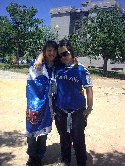 2 niñaS xereciSta aPoyanDo a Su xeRez!