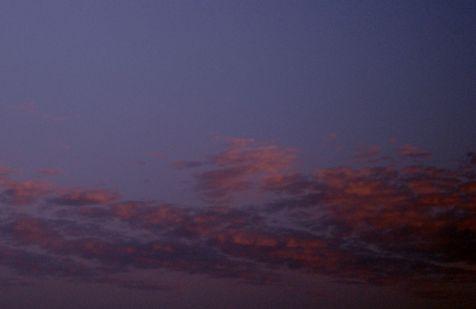 La misericordia estaba parada en la nube, con el ojo que lloró amor esencial.
