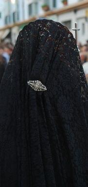 Mujer de mantilla en Chiclana