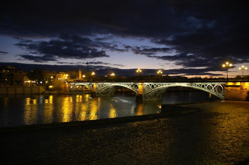 fotos de la noche en sevilla: