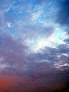 Se hacían las gaviotas, se deshacían las nubes.