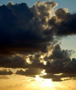 Sol y sus nubes.
