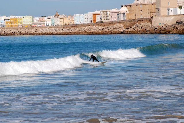 Surfeando a la espalda de la Catedral