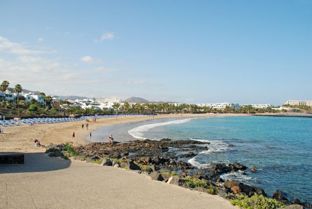 Por el Paseo Marítimo a la Playa de Las Cucharas (Costa Teguise) Lanzarote