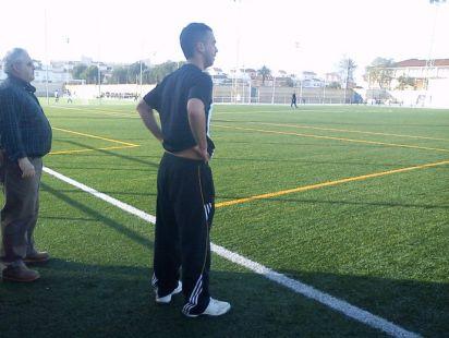 Entrenador de futbol base
