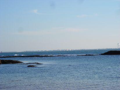 Lugar tranquilo donde solo escucha el ruído del mar.