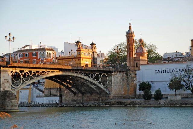 Atardecer en el Puente Triana (Sevilla)