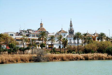 Paseo de María de la O en Triana (Sevilla)