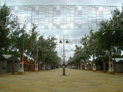 MONTANDO LAS CASETAS DE LA FERIA