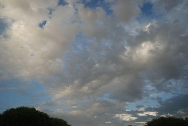 Un día de pogas nubes.