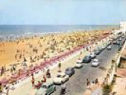 Aquellos tiempos cuando aún estaban las casetas,  playa la victoria de Cádiz.